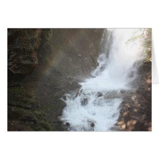 Cartão Arco-íris em quedas de Fletcher, Canadá
