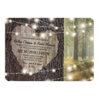 Cartão Árvore cinzelada do coração que Wedding luzes