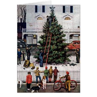 Cartão Árvore na praça da cidade