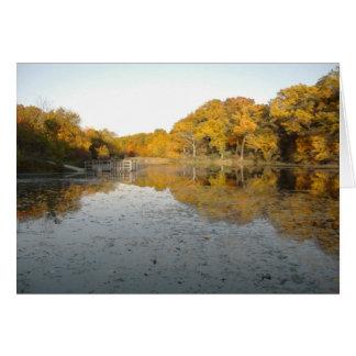 Cartão Árvores e lagoa douradas