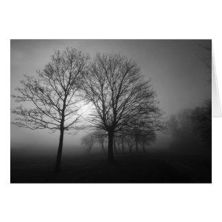 Cartão Árvores enevoadas da manhã