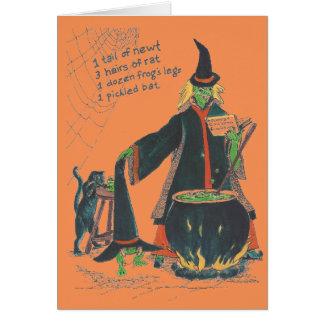 Cartão As bruxas fabricam cerveja o Dia das Bruxas feliz