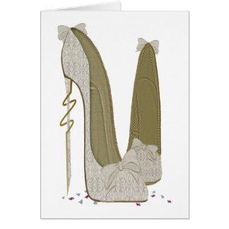Cartão As coisas bonito que Wedding o estilete calçam a