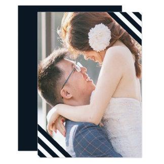 Cartão As listras azuis e brancas do casamento litoral