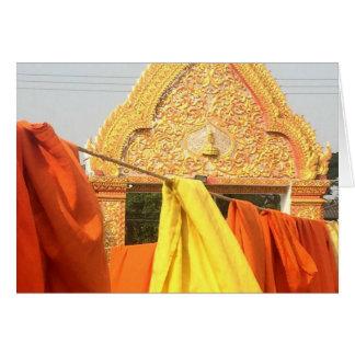Cartão As vestes da monge que secam em Chiang Mai,