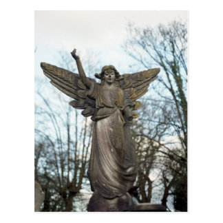 Cartão assustador da estátua do anjo