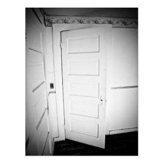 Cartão assustador da porta