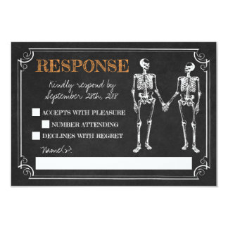Cartão Até a resposta preta alaranjada de esqueleto do