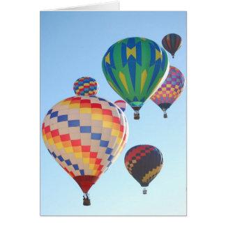 Cartão Aumentação dos balões de ar quente