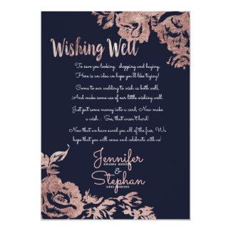 Cartão Azuis marinhos e poço de desejo floral do ouro