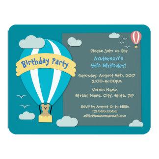 Cartão Balão de ar quente da festa de aniversário