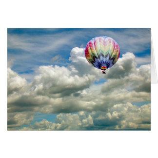 Cartão - balão de ar quente em vôo