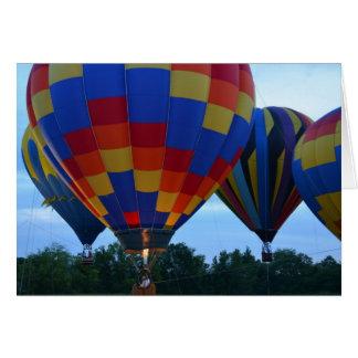 Cartão Balões de ar quente do arco-íris