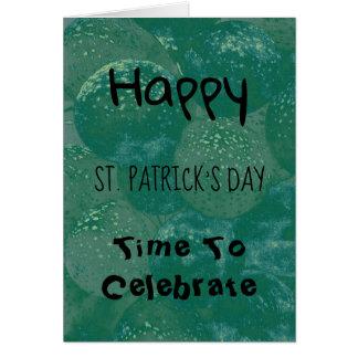 Cartão Balões do verde do dia de St Patrick feliz