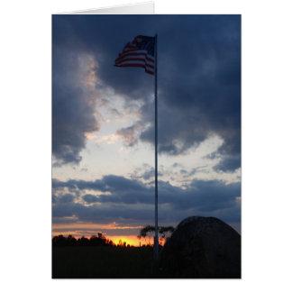 Cartão Bandeira no por do sol