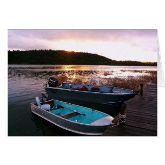 Cartão Barcos de pesca no pôr-do-sol