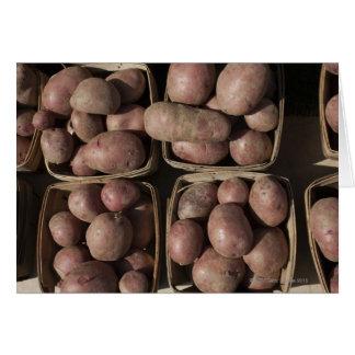 Cartão Batatas no mercado de um fazendeiro de New-jersey