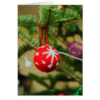 Cartão Bauble vermelho do Natal do Crochet