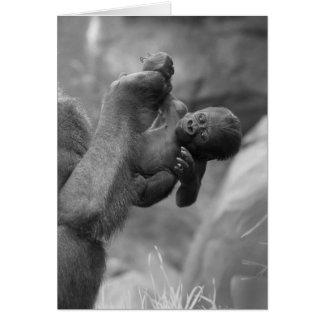 Cartão Bebê de suspensão do gorila
