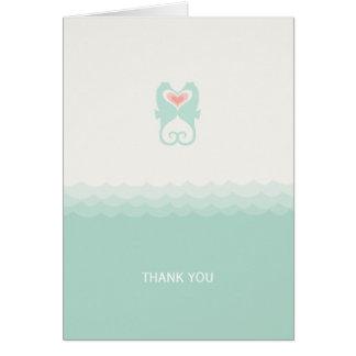 Cartão Beijando o obrigado do casamento de praia dos