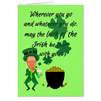 Cartão Bênção irlandesa do Leprechaun engraçado do Dia de