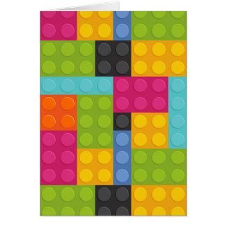 Cartão blocos de apartamentos cor-de-rosa