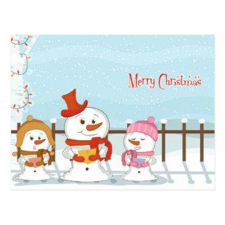 Cartão bonito da família do boneco de neve do
