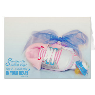 Cartão bonito das coisas do bebê