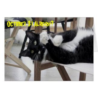 Cartão bonito de Hallowe'en do gatinho (não)