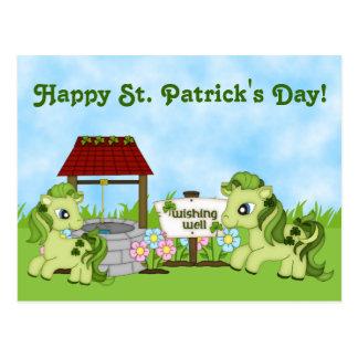Cartão bonito do cavalo do dia de St Patrick feliz