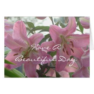 Cartão bonito do dia do lírio - personalize toda a