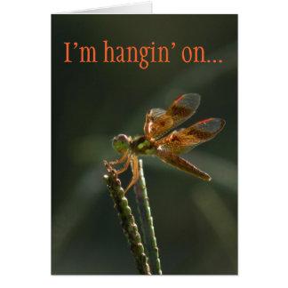 Cartão bonito dos namorados da libélula