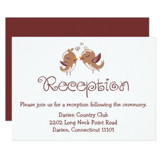 Cartão Brown & Lovebirds brancos da recepção de casamento