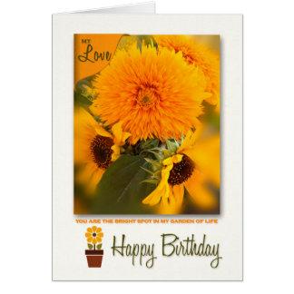 Cartão Buquê das margaridas do ouro do aniversário | do