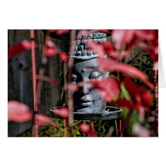 Cartão Cabeça de Buddha com folhas vermelhas