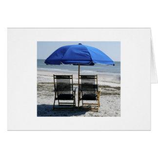 Cartão Cadeiras e guarda-chuva de praia