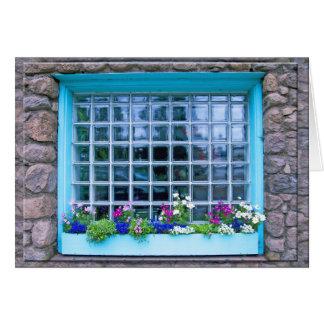 Cartão Caixa de janela azul com fotografia das flores