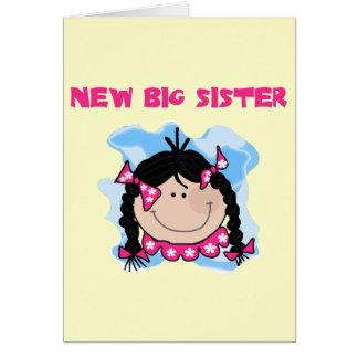 Cartão Camiseta e presentes novos da irmã mais velha do