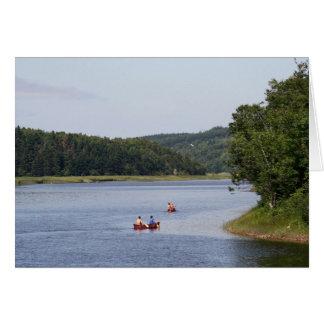 Cartão Canoeists no rio de Margaree