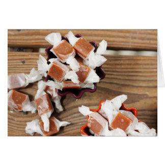 Cartão Caramelos em borracha do outono