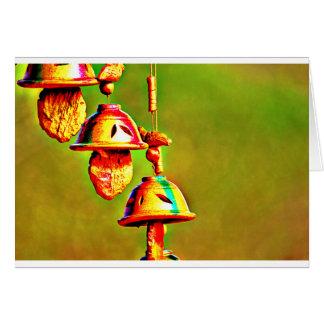 Cartão Carrilhões de madeira coloridos