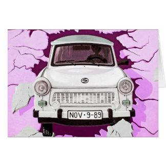 Cartão Carro de Trabant e muro de Berlim