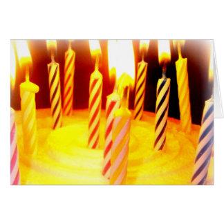 Cartão Cartão: Velas do Lit no bolo de aniversário