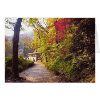 Cartão Casa de campo da porta, queda