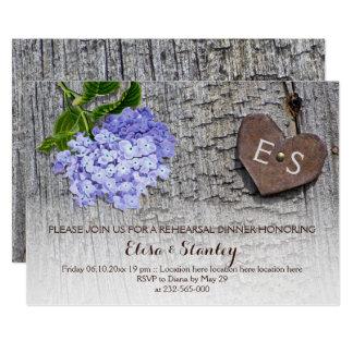 Cartão Casamento de madeira do jantar de ensaio do