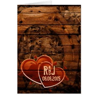 Cartão Casamento em ferradura de madeira do celeiro