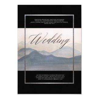 Cartão Casamento no inverno enevoado da paisagem do