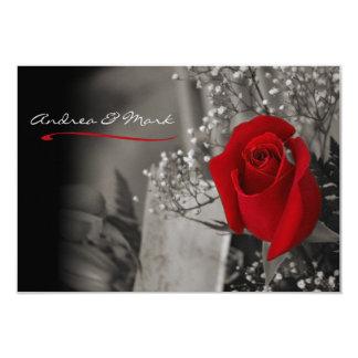 Cartão Casamento preto e branco da rosa vermelha elegante