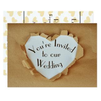 Cartão Casamento rasgado divertimento do coração do saco