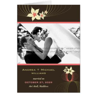 Cartão Casamento tropical da flor do rosa do Frangipani